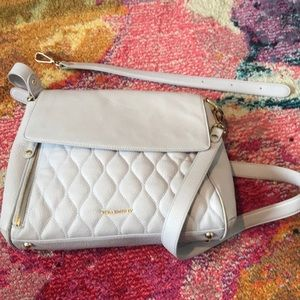 VERA BRADLEY QUILTED LEATHER CONVERTIBLE PURSE!